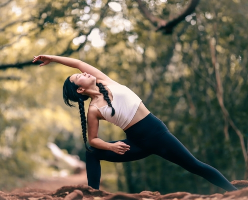 How the Benefits Microdosing Psychedelics Compare to Yoga